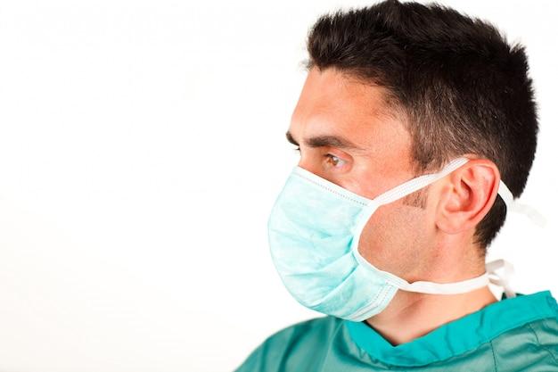 Профиль хирурга с маской