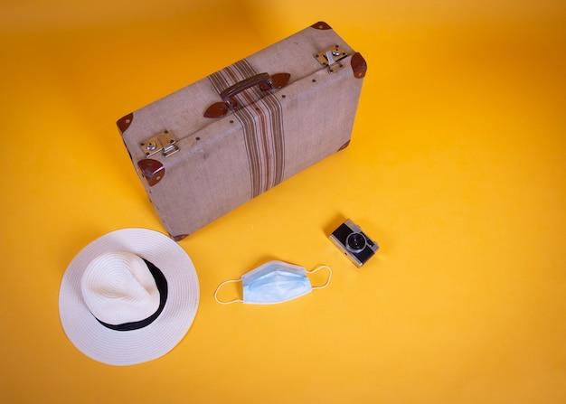 코 비드 -19에 의해 수술 마스크 가방, 여행, 항공편 취소