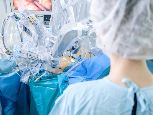 Surgical minimally invasive operation using a modern robotic surgical system
