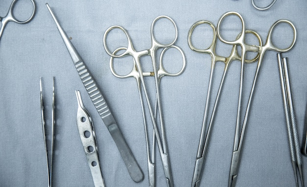 Surgical tools instruments