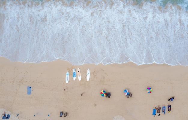 プーケットタイ航空写真ビューでスリンベイエメラルド海