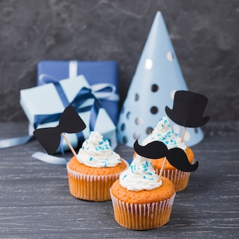 Surprise for father's day cupcakes and party hat