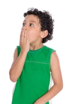 Выражение удивленного мальчика, изолированные на белом фоне