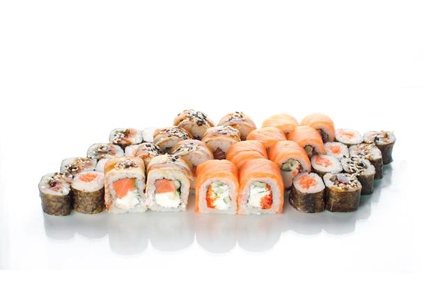 Суши роллы японская кухня красиво много набор разные