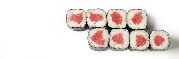 Суши роллы с тунцом сверху