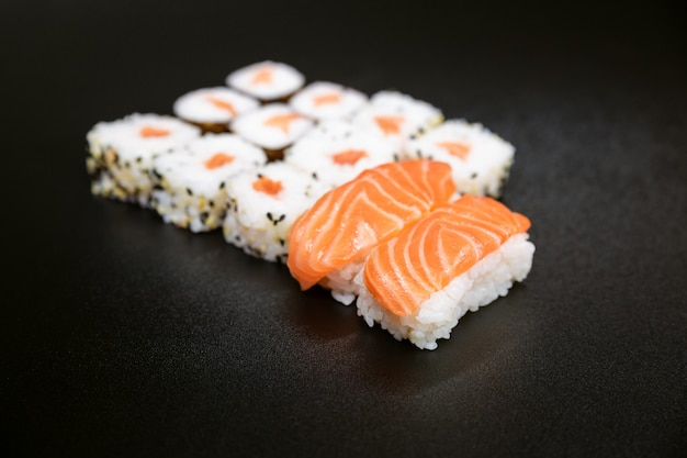 Sushi, a typical japanese food prepared with a base of rice and various raw fish such as tuna, salmon, shrimp and sea bream.