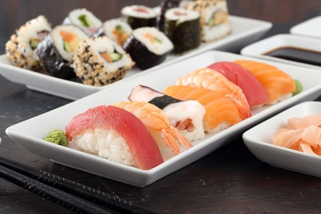 お箸でお寿司