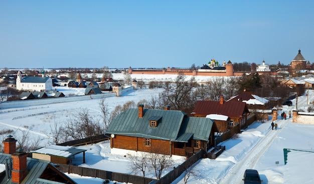Суздаль зимой. россия