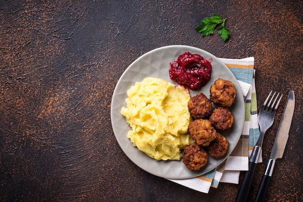 Swedish meatballs with mashed potato