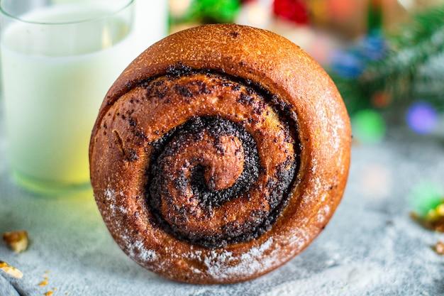 Сладкая выпеченная рождественская выпечка булочка десертное печенье вкусный праздничный торт