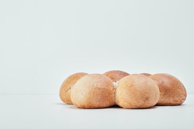 花の形、側面図の甘いベーカリーパン。