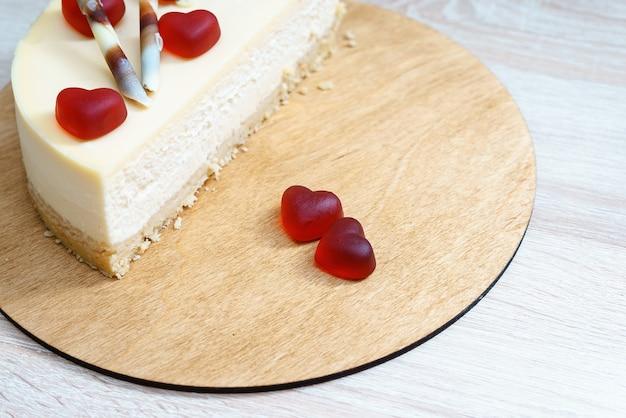 국제 발렌타인 데이를위한 하트 장식 달콤한 케이크