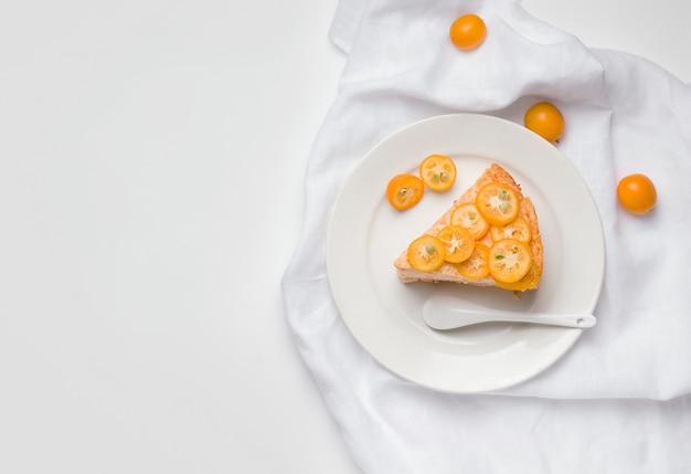キンカンフルーツの甘いケーキデザート