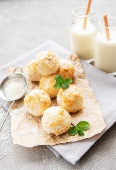 Сладкое кокосовое печенье