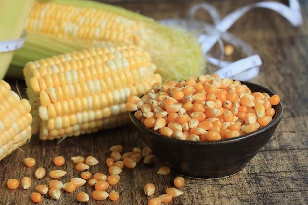 Sweet corn with dried seed