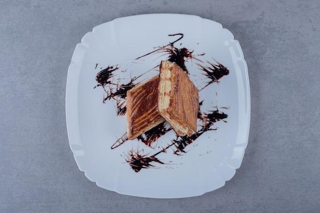甘くておいしいケーキのスライス。自家製スイーツ