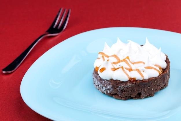 タルトとバタークリームの甘いデザート