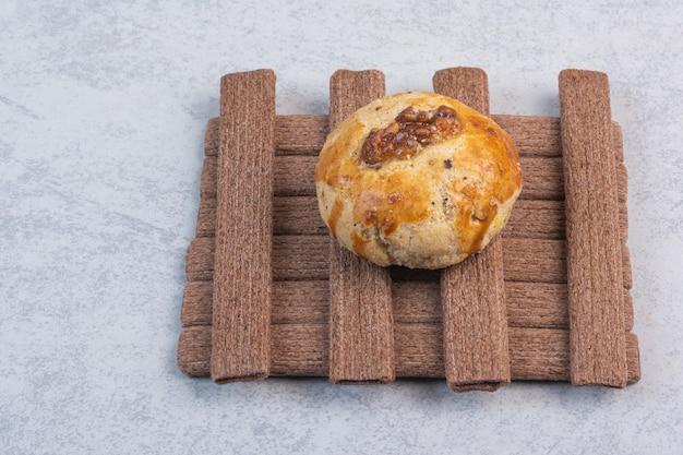 大理石の甘い多様なクッキー。