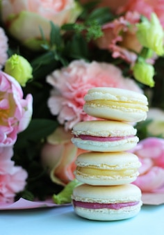Sweet french macarons with different flowers