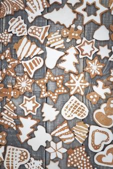 테이블에 달콤한 gingerbreads