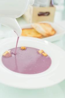 甘いジャガイモのスープ
