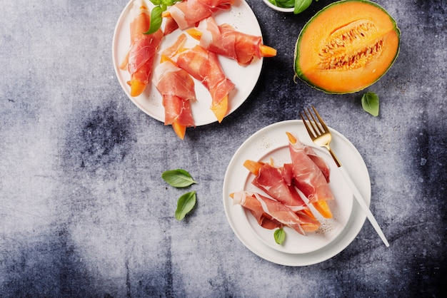 Sweet melon and ham