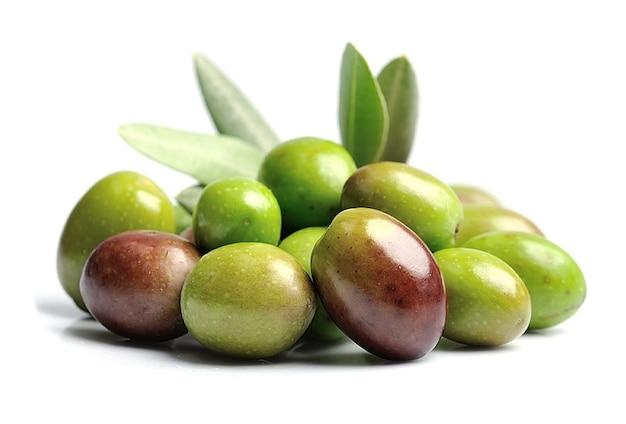 Сладкие плоды оливок.