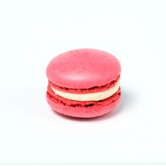 달콤한 핑크 마카롱 흰색 배경에 고립