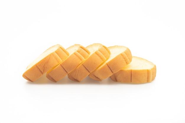 Сладкий картофель нарезанный хлеб на белом фоне