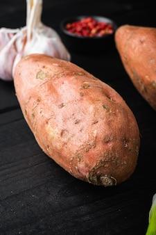 Сладкий картофель с зеленью и приправами