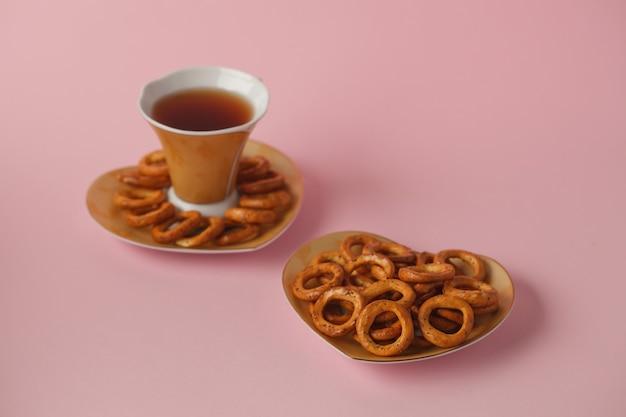 Сладости к чаю бублики сухарики печенье и крендели