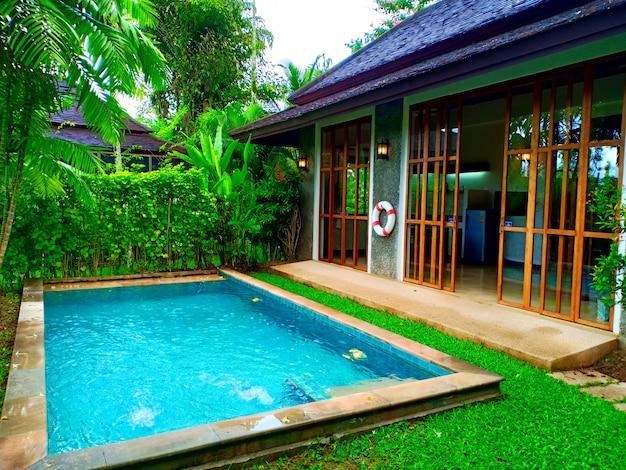 정원의 수영장 빌라
