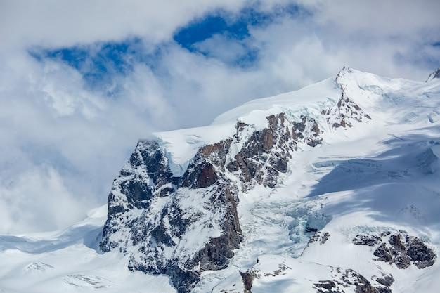 스위스 체르마트에 있는 스위스 산 바위.