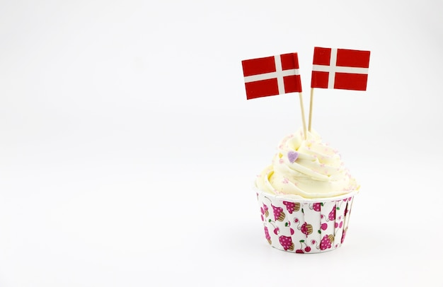 Switzerland national day with cupcakes and the flag