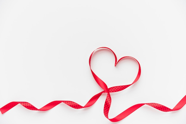 Symbol of heart of ribbon