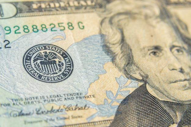 Символ (штамп) федеральной резервной системы сша на долларе. концепция финансовой системы