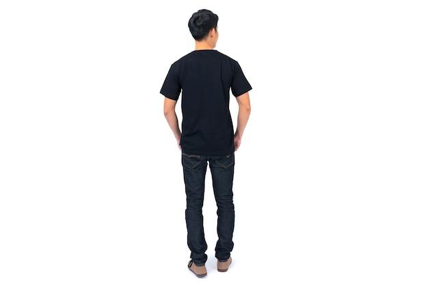 Tシャツのデザイン、白で隔離の黒のtシャツの若い男
