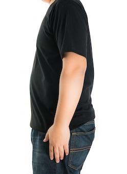 空白のtシャツの横の男のクローズアップ