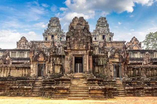 Храм та кео в ангкоре
