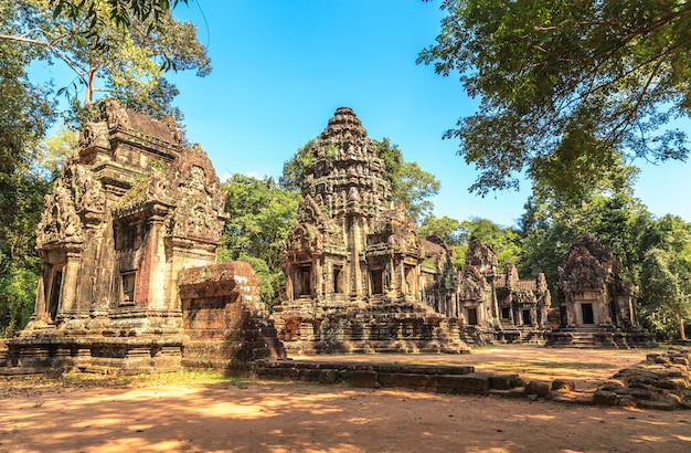 Ta phrom castle in angkor thom, cambodia