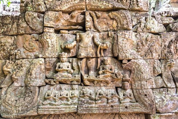 Храм та сом в ангкор-ват в сием рипе