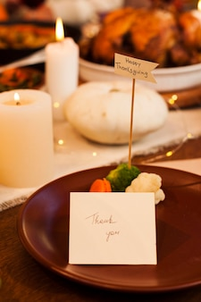 Table arrangement with card