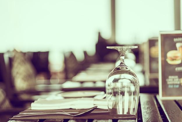 Ricezione tavolo da pranzo fantasia bianco