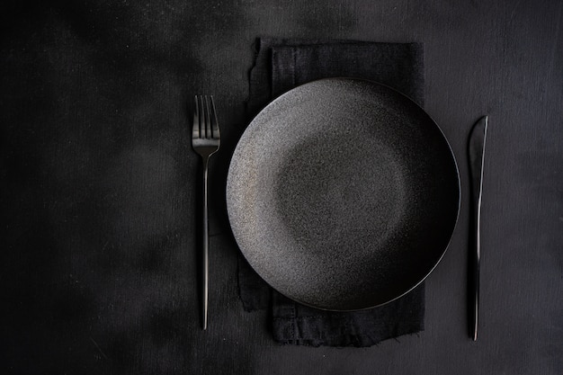 Table setting in black