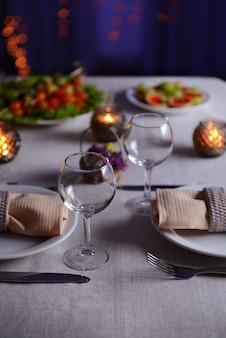 레스토랑의 테이블 세팅