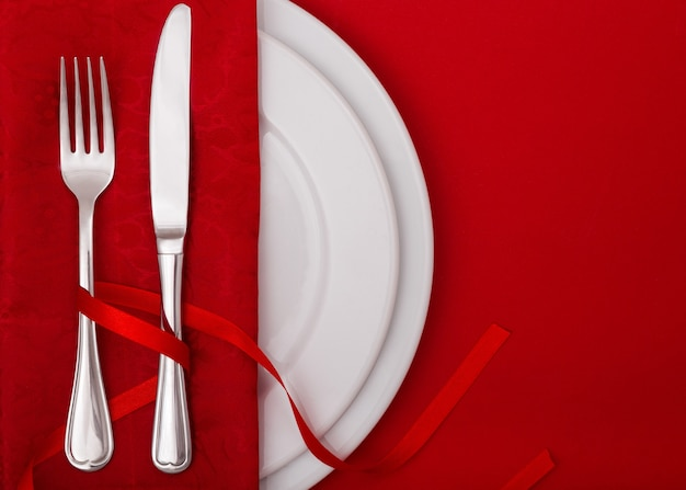 Table setting with plate, fork and knife