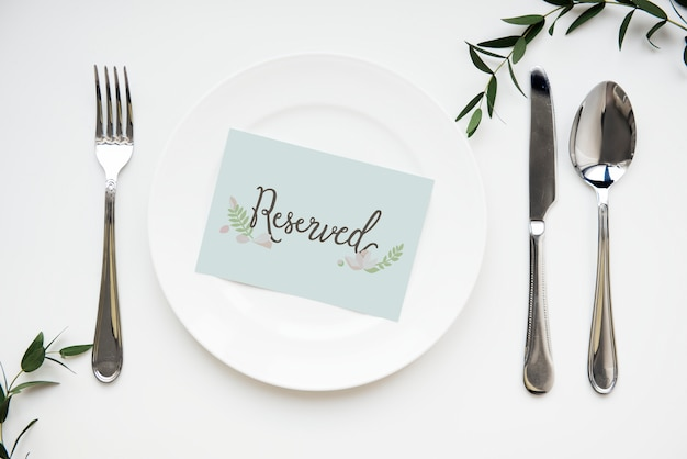 Table setting with reserved card