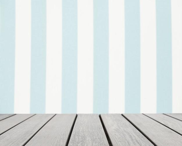 Superficie della tavola che guarda a strisce bianche e blu