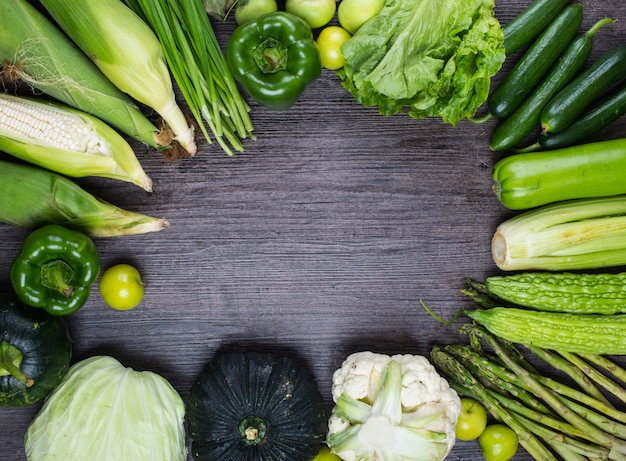 Table with green vegetables
