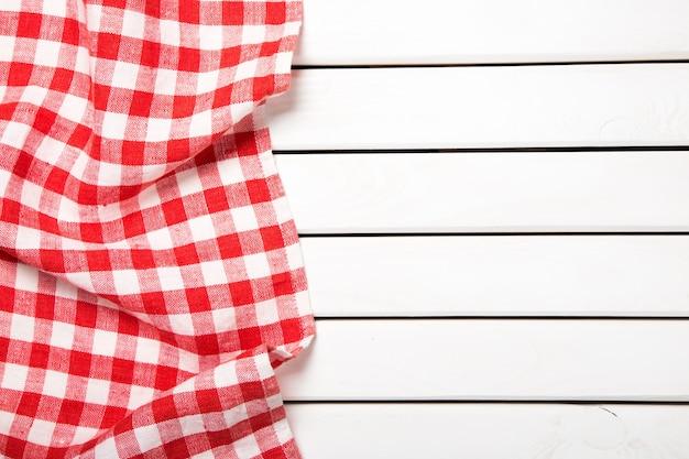 Скатерть текстильная на деревянном столе с местом для текста
